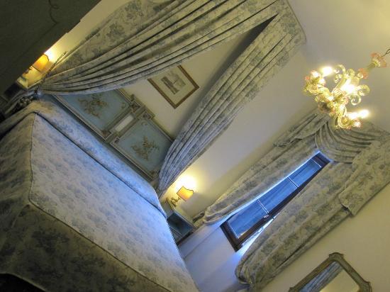 Giorgione Hotel: Comfy bed