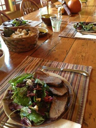 Wine Country Inn & Cottages: Tri Tip served for lunch during the Inn Excursion