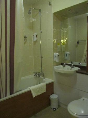 Premier Inn Nottingham City Centre (Goldsmith Street) Hotel: bathroom