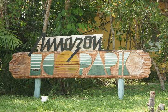 "Amazon Ecopark Jungle Lodge: Letrero del "" Hotel """