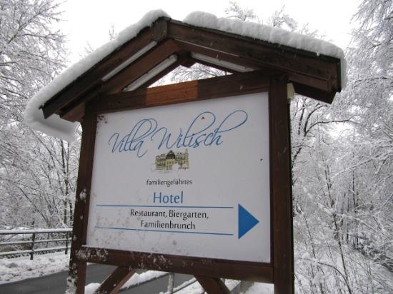 Villa Wilisch : Zufahrt