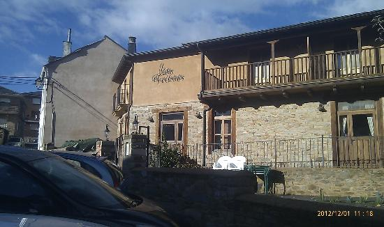 Las Fontaninas: fachada principal