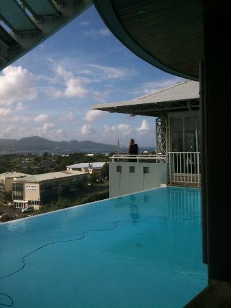 Karibea Valmeniere Hotel : vue piscine