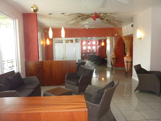 Karibea Valmeniere Hotel : Hall entrée