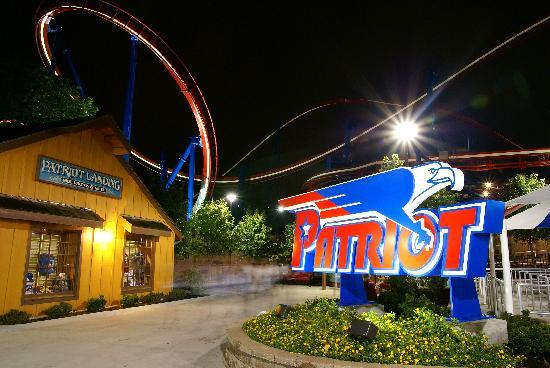 Worlds Of Fun Oceans of Fun: Patriot roller coaster
