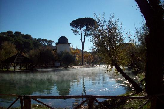 Alhama de Aragon Spain  City pictures : Alhama de Aragon, Spain: Lago en Balneario Termas Pallares,32º todo ...