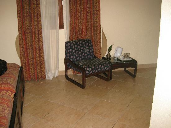 Coconut Grove Regency Hotel : room