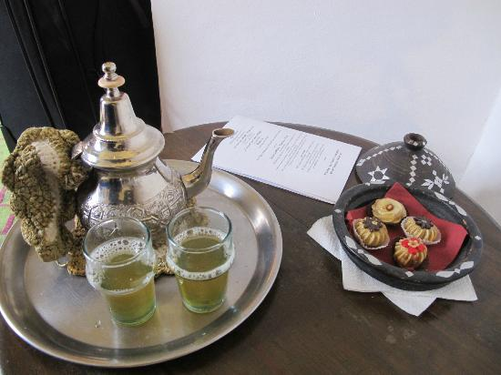 Riad Villa El Arsa: Mint Tea upon Arrival. Refreshing!
