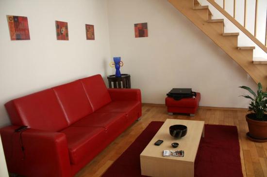 Apartments Tynska 7: Soggiorno con tv e portartile in dotazioni. Con wi-fi