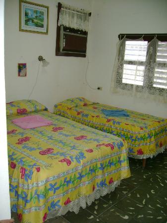 Hostal Pilar: Chambre