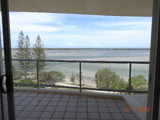 มูริงส์ บีช รีสอร์ท: View from lounge room