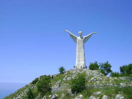 Statua del Cristo Redentore di Maratea