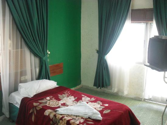 Orient Prince Hotel : Single bed room