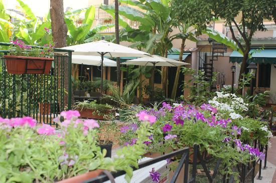 Astoria Garden: DESPUES DE UNA CALUROSA TARDE