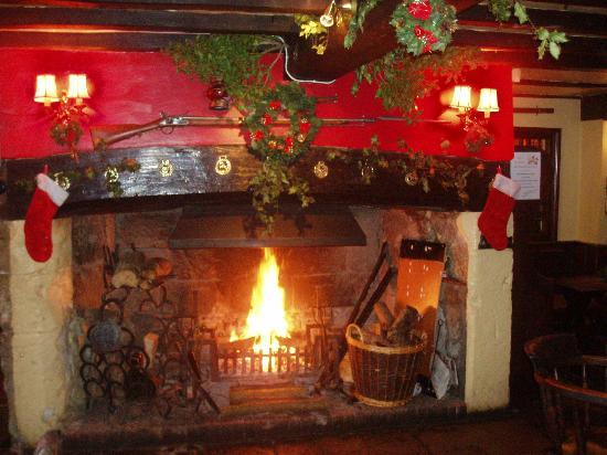The Buddle Inn: The roaring log fire