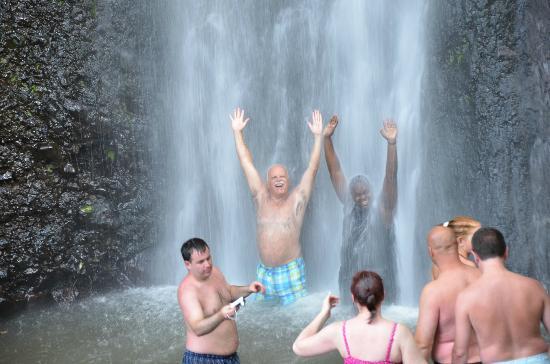 Falls of Baleine: Waterfall spray