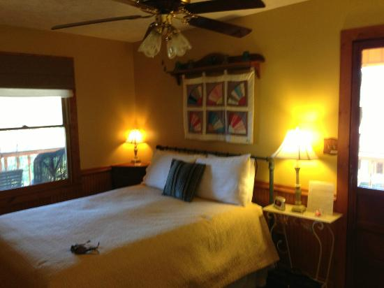 Aska Lodge B&B: Jean Katherine room