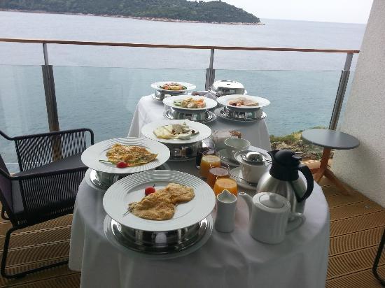 Villa Dubrovnik: Petit déjeuner royal avec vue sur mer