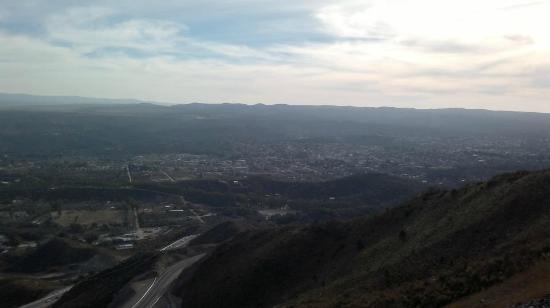 El Camino del Cuadrado: Se pueden avistar la ciudad de Valle Hermoso