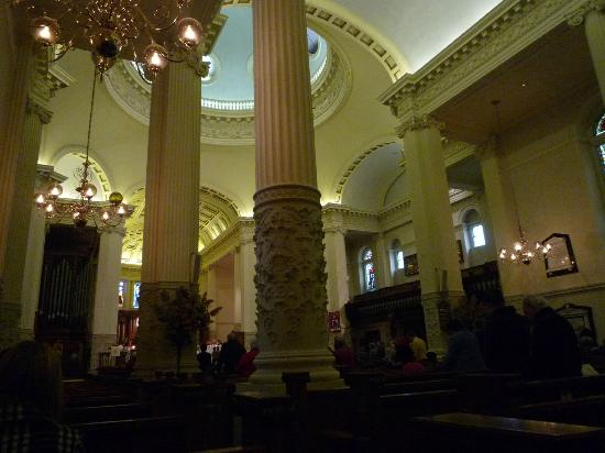 St. George's Cathedral: Interior 1