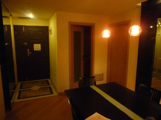 Jia Nian CEO Serviced Residence: 3bed room entrance
