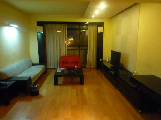 Jia Nian CEO Serviced Residence: 3bed room living room