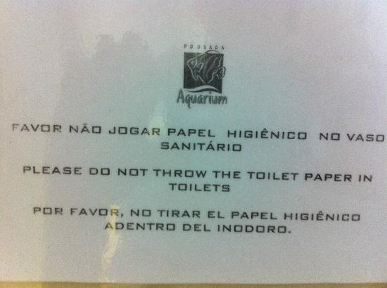 Pousada Aquarium: where to put the toilet paper?
