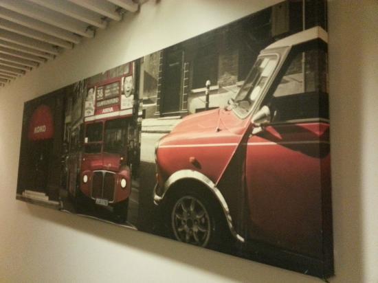 เยสอินน์ โฮสเทล: canvass