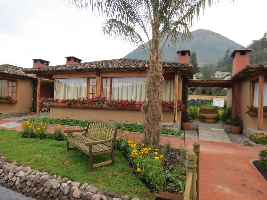 Hosteria Cabanas del Lago : outside view of the room