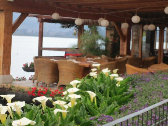 Hosteria Cabanas del Lago: the restaurant