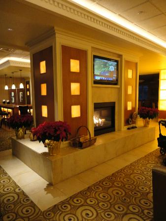 The Inn at Charles Town: Lobby Area