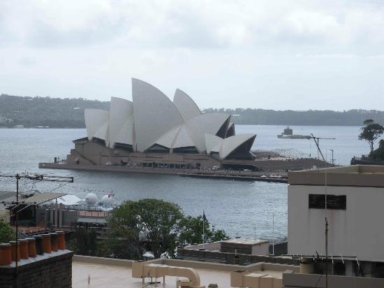 Sydney Harbour YHA: view of Sydney Opera House from the balcony