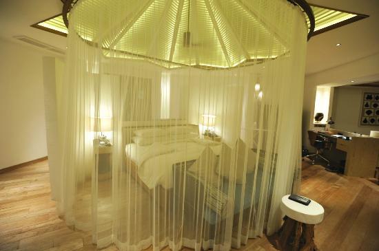 Jumeirah Vittaveli: Lagoon Villa bedroom