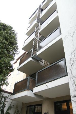 Hotel Admiral: balconies facing hotel garden