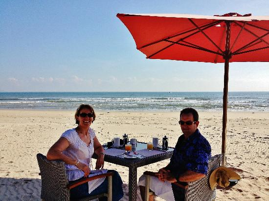 Fusion Maia Da Nang: Breakfast on the beach