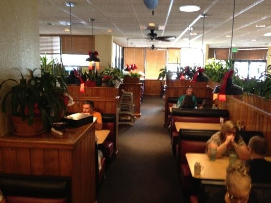 TooJay's: some of the seating