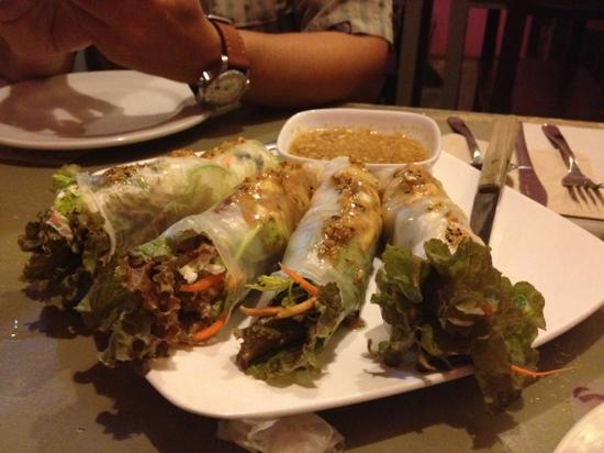 'ayo Cafe: Spring Roll Appetizer