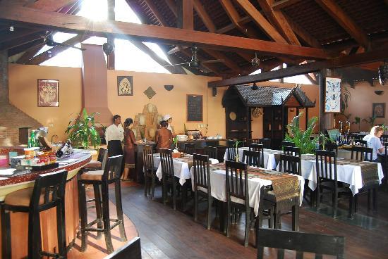 Angkoriana Hotel: breakfast area