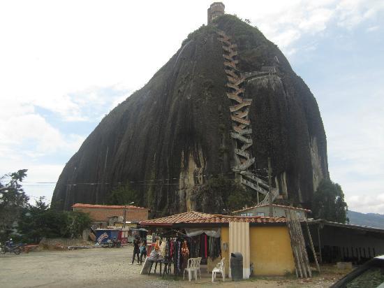 Piedra del Penol: El Peñol.