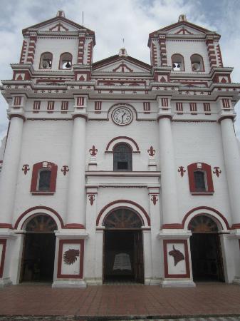 Piedra del Peñol: Guadape church. Iglesia en