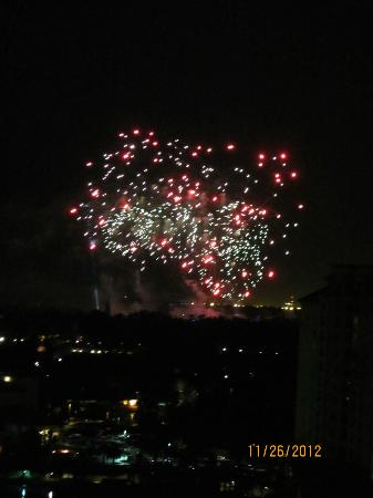 Wyndham Grand Orlando Resort Bonnet Creek: view of fireworks from room