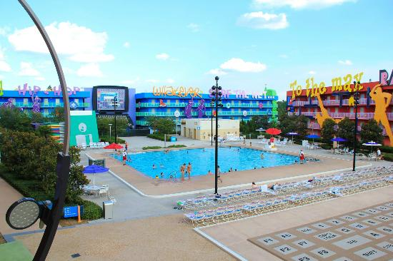 Disney 39 s pop century resort 95 2 0 4 updated 2018 for Pool show orlando florida