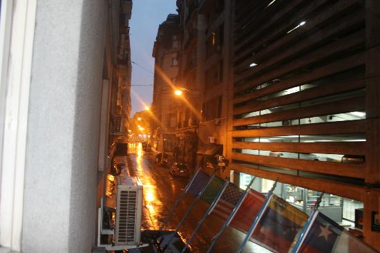 Hotel Promenade: DESDE LA VENTANA DEL HOTEL EN UNA MAÑANA LLUVIOSA