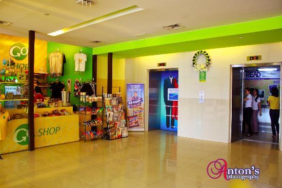Go Hotels Mandaluyong: lobby