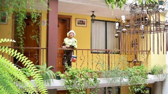 Hostal Mia Leticia: VISTA iNTERIOR DEL HOTEL