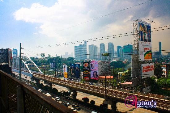 Go Hotels Mandaluyong: View from my Room