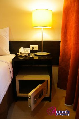 Go Hotels Mandaluyong: Room