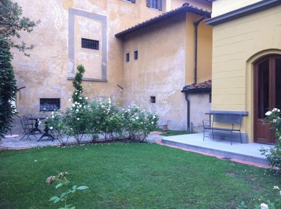 Hotel Villa Betania: a glass of 'presecco' perhaps!