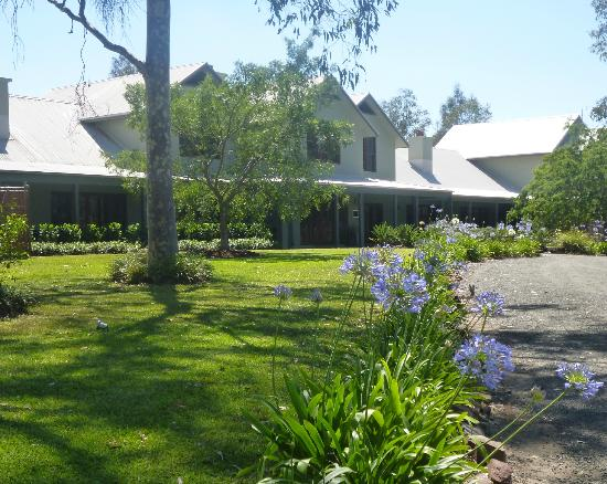 Spicers Vineyards Estate: Hotel and grounds