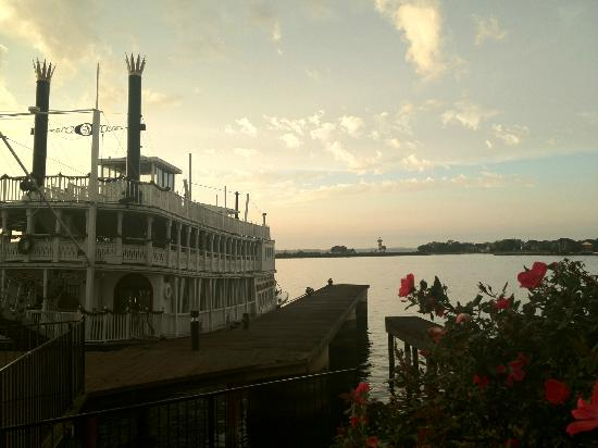 The Landing at Seven Coves : there's an old riverboat and lighthouse on the point